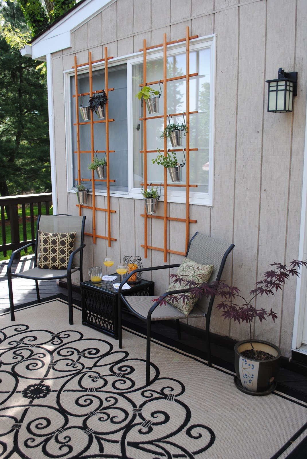 diy deck idea shady seating and a living wall. Black Bedroom Furniture Sets. Home Design Ideas