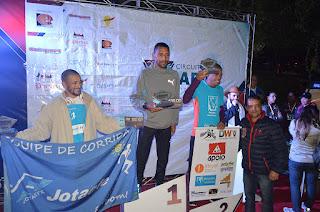 Pódio masculino: Daniel chaves da silva (1º lugar), à direita Jocemar Fernandes (2º lugar) e Clodoaldo Azevedo (3º lugar)