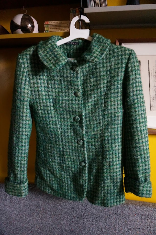 une veste à carreaux en laine  green checked jacket