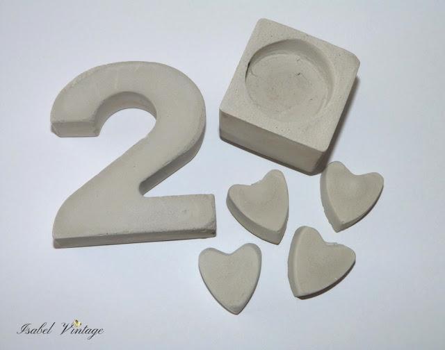 cemento-portavelas-numero-corazones