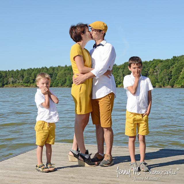 shooting en famille portrait de famille en extérieur au lac de moulin papon