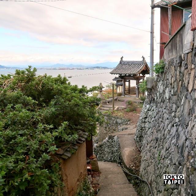 【大聖寺】小島上的唯一寺院 高低起伏山路和石垣搭配海景超美