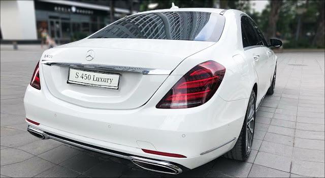 Phần đuôi xe Mercedes S450 L Luxury 2019 thiết kế chiều sâu và cuốn hút