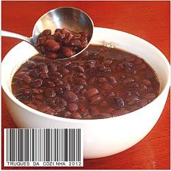 Feijão preto simples com caldo grosso saboroso