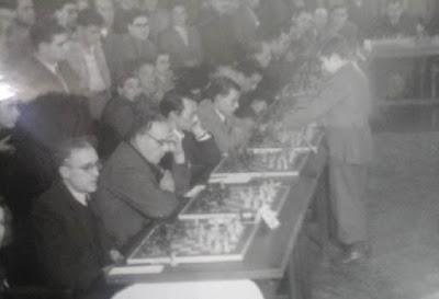 Simultáneas de ajedrez de Arturito Pomar en Mataró en 1946