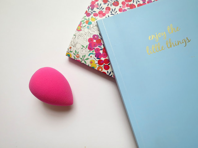 Original Pink Beauty Blender Beauty Makeup Application