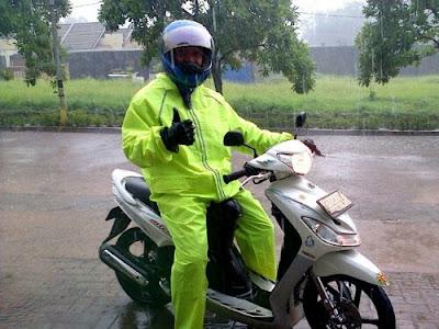 Safety riding saat hujan