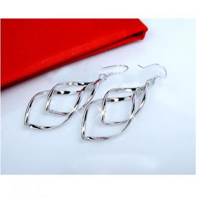 Bicyclo-Wave Design Earrings