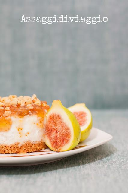 Cheesecake con ricotta di bufala, provolone del monaco, fichi e biscotti di Castellammare