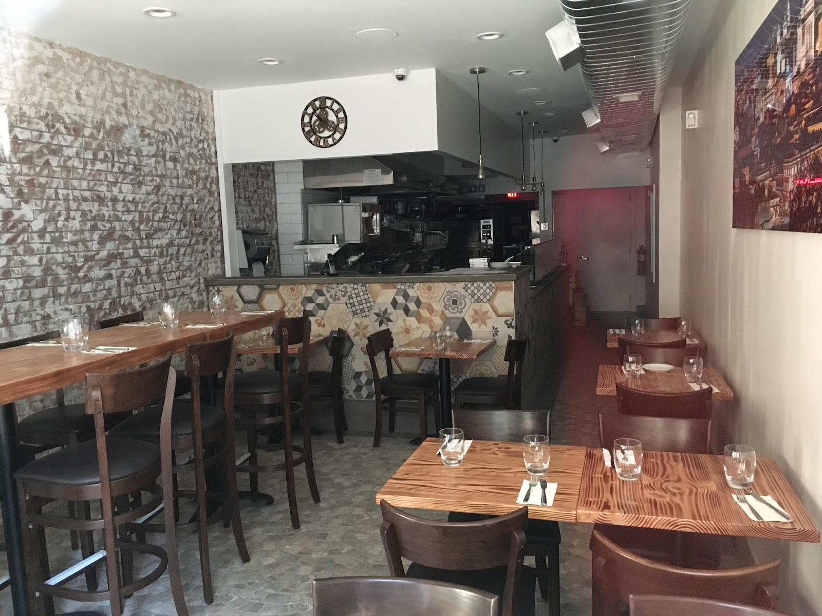 Italian Restaurant On Second Avenue And  Street Nyc