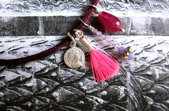 Handmade choker by Trasparent Sculptural Jewelry (by Marta Roura Castellò) with Trajan coin reproduction
