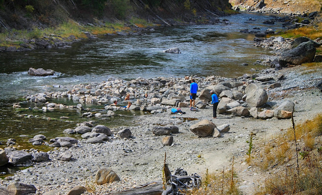 Salmon River Idaho autumn geology field trip travel copyright RocDocTravel.com