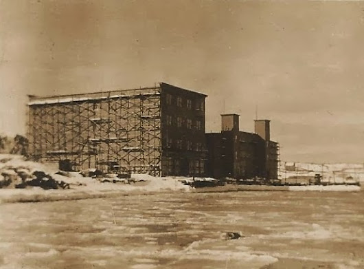 Tuesday's Folklore Photo: Construction During Winter
