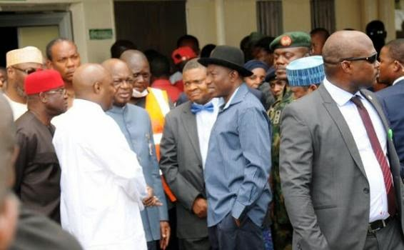 7 Pics from Pres. Jonathans visit to bomb victims at Asokoro Hospital