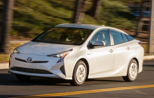California trend : hybrid auctions drop, plug-in electric cars soar