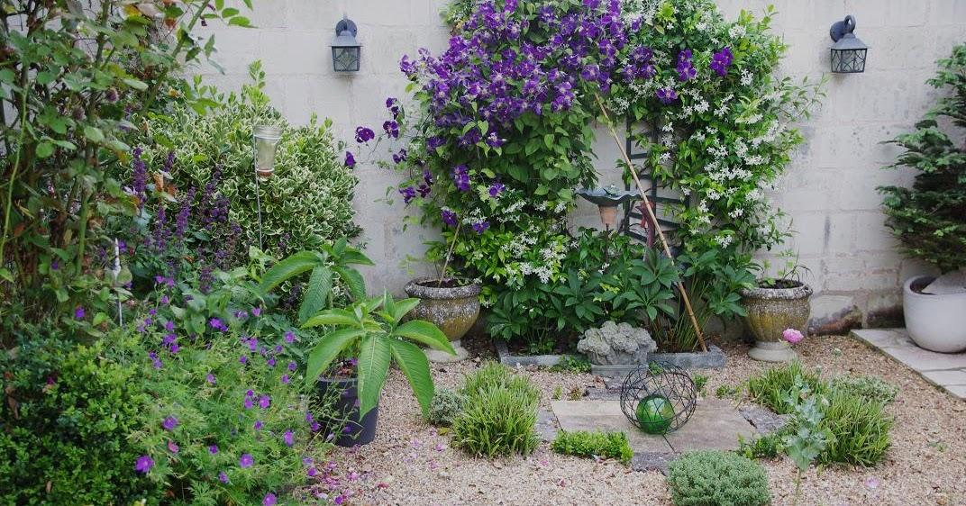 Le Jardin Des Couronnes Le Petit Jardin De Graviers