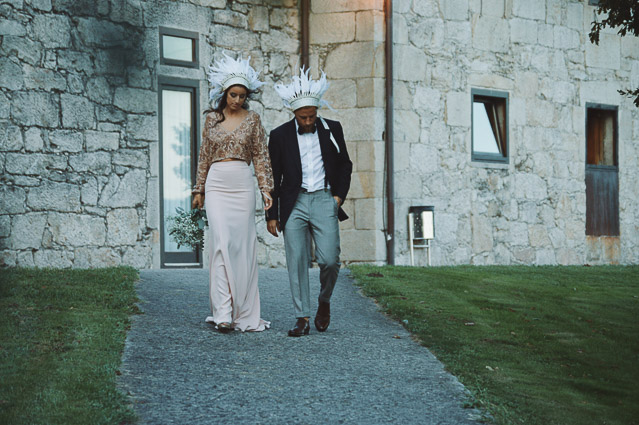 boda galicia palacio Lestrove plumas corona indie wedding feather crown