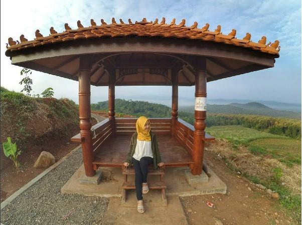 Wisata Batang | Gardu Pandang Bukit Srigunung Banyuputih Batang