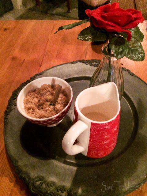 Käserei De Nylander Zucker und Milch in der Teestube