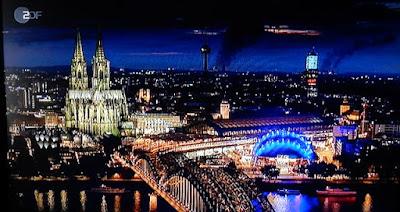 http://www.express.de/koeln/flugzeuge-und-hoellenlaerm-was-war-in-der-nacht-am-koelner-himmel-los--28109796?originalReferrer=