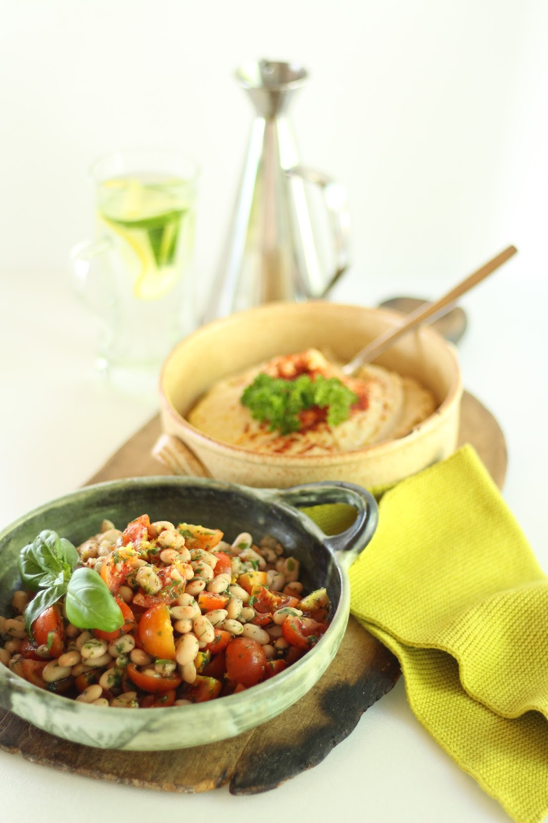 Weiße Bohnen mit Tomaten und Hummus - Clean Eating Rezepte für jeden Tag