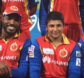 Sarfaraz Khan RCB along with Chirs Gayle IPL