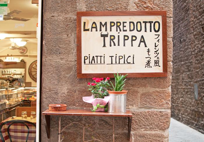 publicité pour le lampredotto trippa, un sandwich florentin à base de tripes