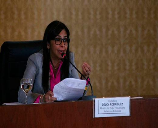 Delcy Rodríguez: Se avecina una intervención armada en el país