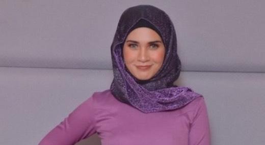 """""""Saya Hanya Extend Sahaja, Saya Tidak Meruntuhkan Masjid Itu"""" - Izreen Azminda"""