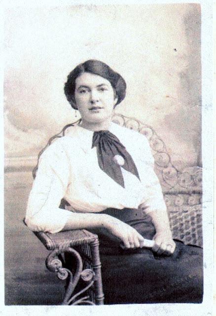 Lily Gaythorpe of Woodhall Hills Avid wine-maker