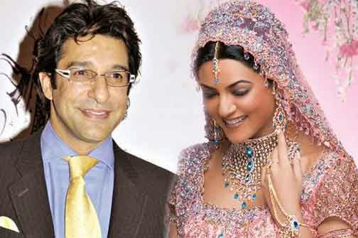 Stan Cricketer Waseem Akram With His Wife Imageswasim Marriage