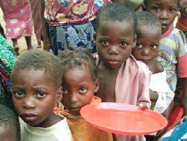 Mais de 26 milhões de crianças passam fome na África por causa do El Niño.