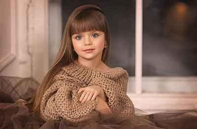 Anastasiya Knyazeva dijuluki Anak Perempuan Terindah di Dunia