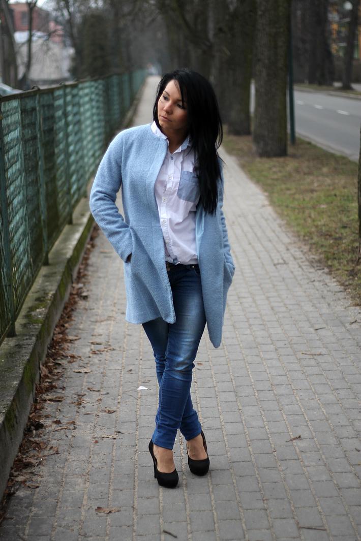 pastelowy płaszcz