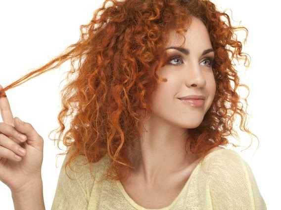 Guest Post: Freya Lowe - Simple & Easy Tips To Take Care Of Your Curly Locks