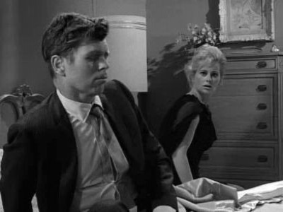 The Twilight Zone - Season 5 Episode 30: Stopover in a Quiet Town