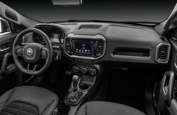 Interior Fiat Toro BlackJack