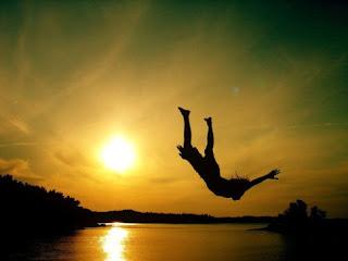 Significado de los sueños: Soñar con caernos al vacío