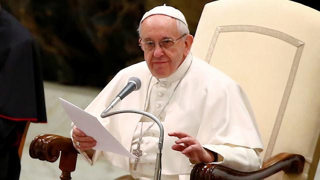 """El papa Francisco sobre los escándalos sexuales: """"¿Cómo puede ser que un cura cause tanto daño?"""""""