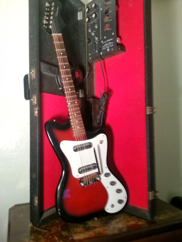 gunz guitar costum: 1960's silvertone amplifiers 1452  schumacher se 2158 wiring  diagram