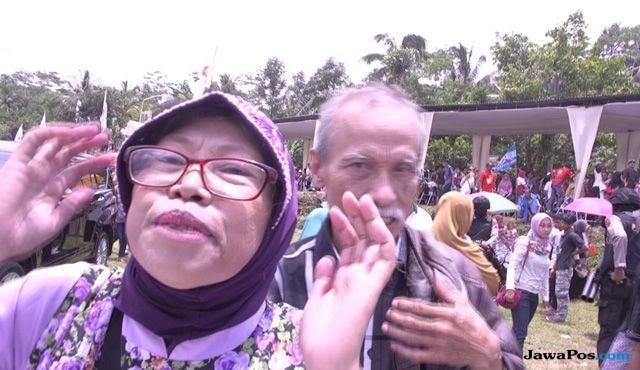 Prabowo Diberi Sepucuk Surat oleh Seorang Nenek, Begini Isinya