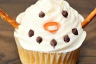 Easy Snowman Cupcakes Recipe for Kids #christmas #dessert