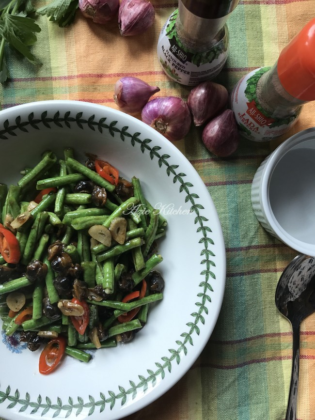 Kerang Goreng Kacang Panjang Dengan Serbuk Lada Hitam - Azie Kitchen