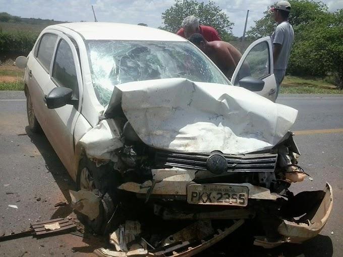 Região de Irecê-BA: Mulher morre após batida frontal de veículos entre João Dourado e América Dourada.