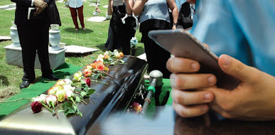 Death from smartphones ? Is it possible ? www.interesteducation.in