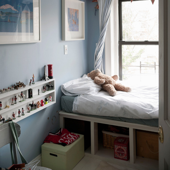 Small Space Bed Ideas: Furniture & Furnishings
