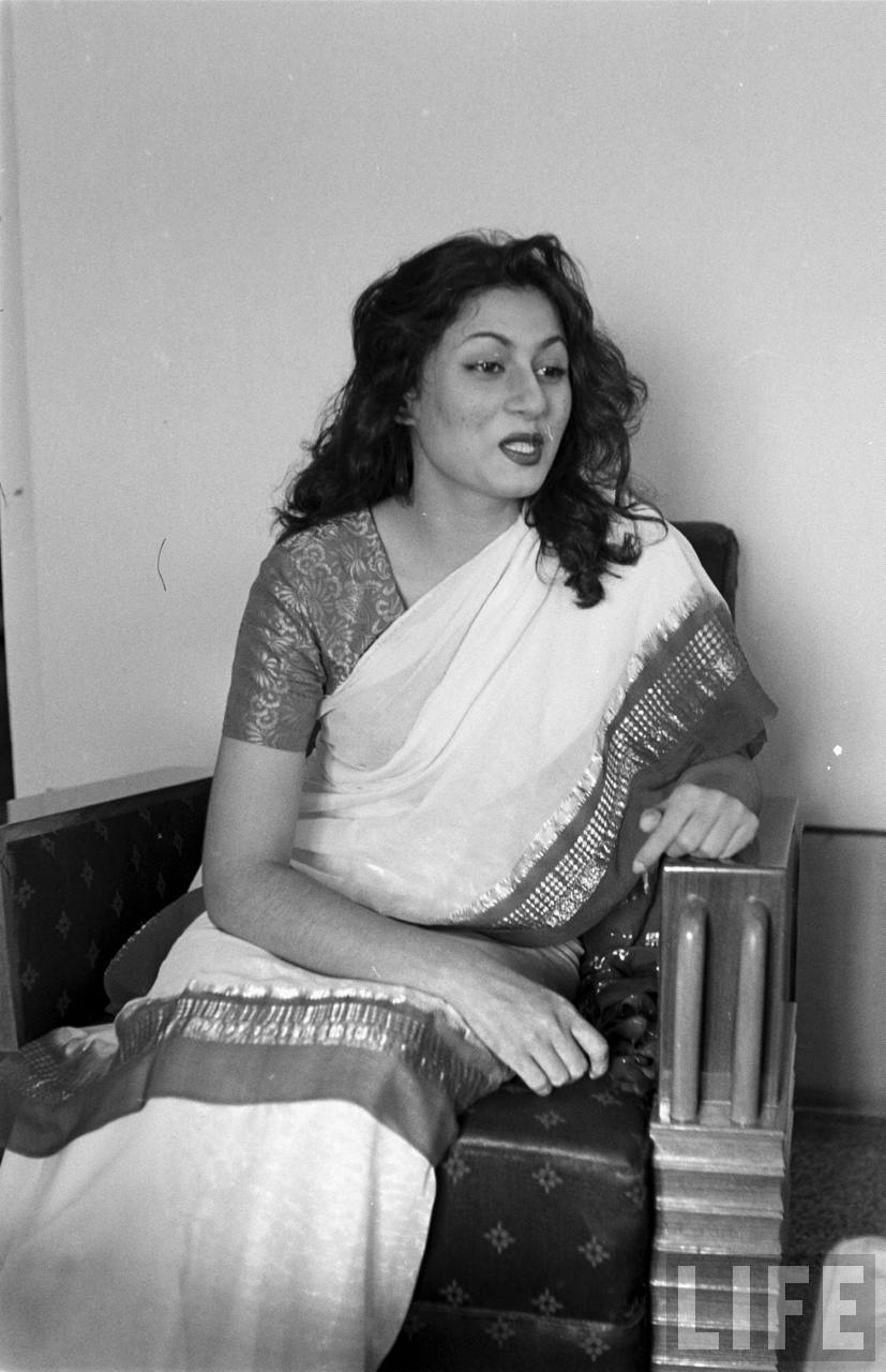 Hindi Movie Glamour Queen Madhubala In Different Moods -2117
