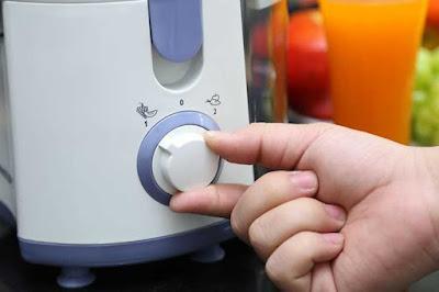 Đánh giá máy ép trái cây Philips HR1811