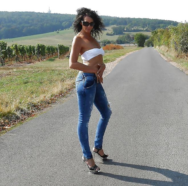34-jährige Frau sucht spontanen Fick bei der A72