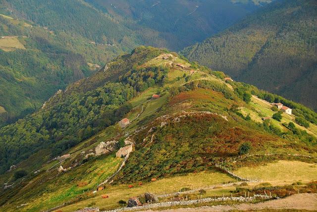Braña de invierno de vaqueiros de alzada en Salas Asturias.
